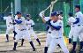愛媛、沖縄、兵庫、大阪などさまざまな出身者が集まる松山聖陵の選手たち=貝塚太一撮影