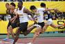 男子100メートル決勝で日本人トップの2位でフィニッシュする山県亮太(左から2人目)。中央は1位のジャスティン・ガトリン、右から2人目は4位の桐生祥秀、左端は5位のケンブリッジ飛鳥、右端は6位の多田修平=2018年5月20日、久保玲撮影
